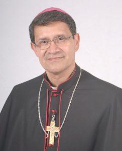 364bfeb1c3 Luis Gerardo Cabrera Herrera, O.F.M nació en Azogues el 11 de octubre de  1955. Realizó sus estudios primarios en su ciudad natal, luego ingreso al  Seminario ...